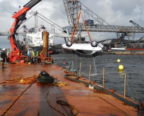 marine-group-salvage-coal-barge-1