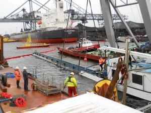 duc-marine-group-salvage-coal-barge-2